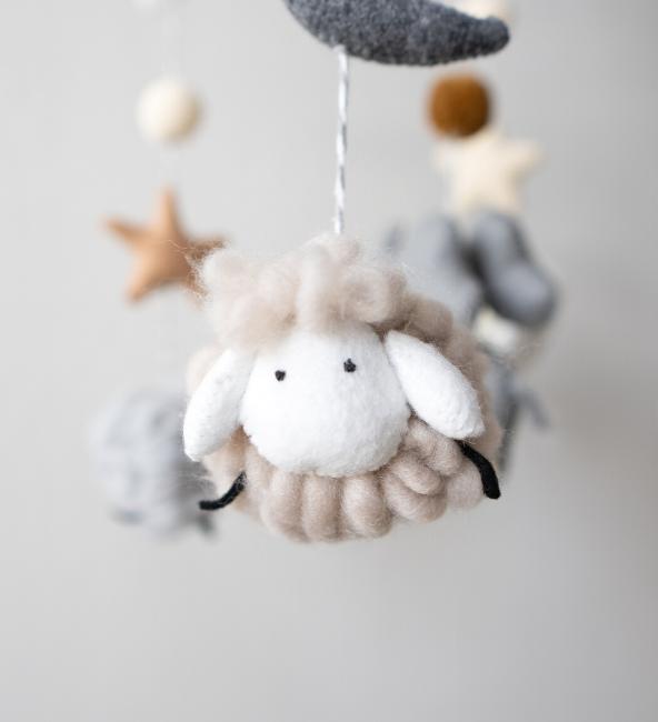 Counting Sheeps Crib Mobile